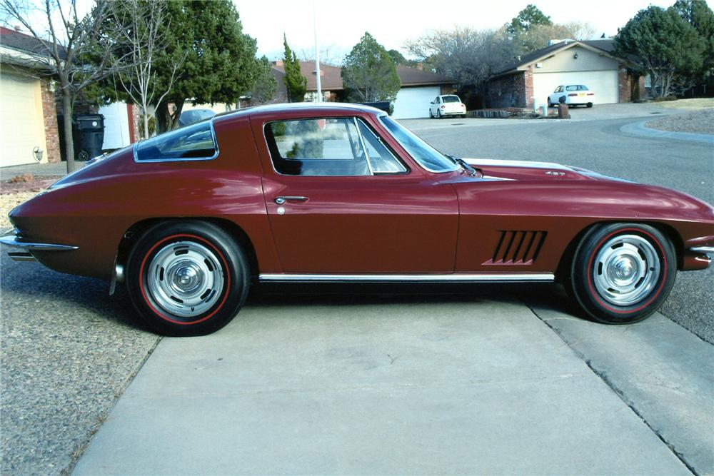 1967 CHEVROLET CORVETTE COUPE - Side Profile - 93240