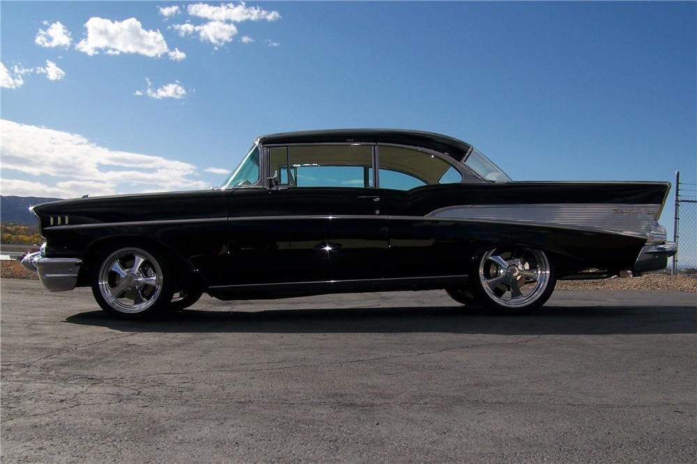 1957 CHEVROLET BEL AIR CUSTOM 2 DOOR HARDTOP - Side Profile - 93253