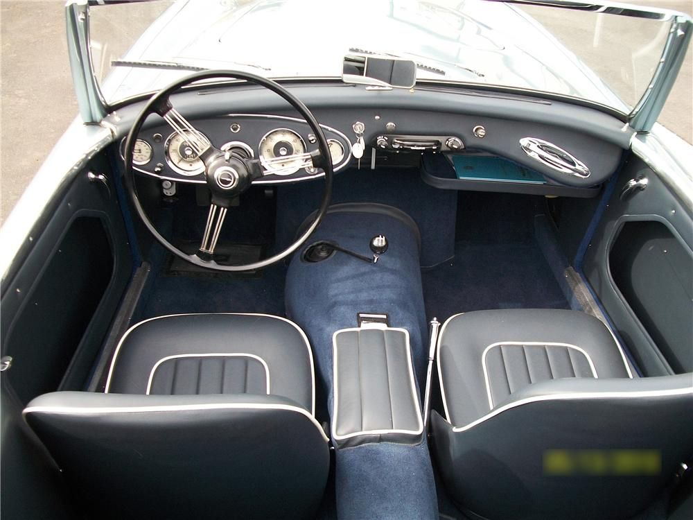 1961 AUSTIN-HEALEY 3000 BT7 ROADSTER - Interior - 93255