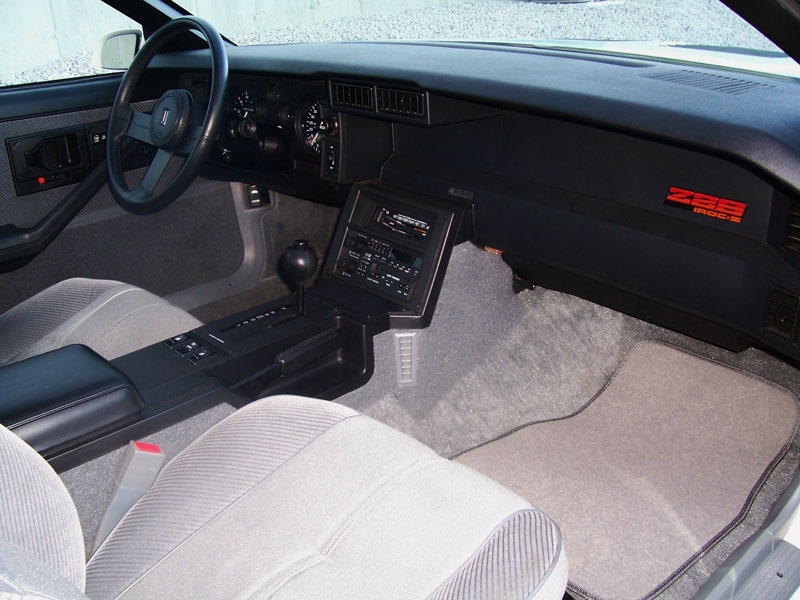 1985 CHEVROLET CAMARO IROC Z 2 DOOR COUPE - Interior - 93262