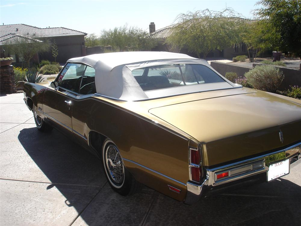 1970 OLDSMOBILE DELTA 88 2 DOOR CONVERTIBLE - Rear 3/4 - 93277