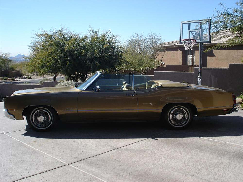 1970 OLDSMOBILE DELTA 88 2 DOOR CONVERTIBLE - Side Profile - 93277