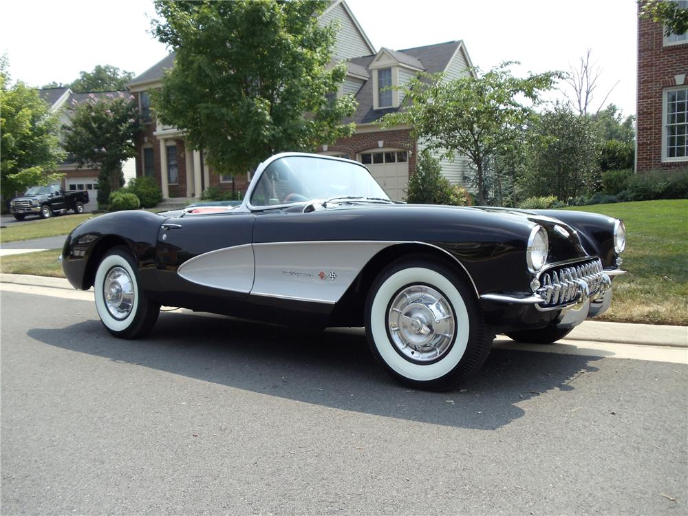 1957 CHEVROLET CORVETTE CONVERTIBLE - Front 3/4 - 93285