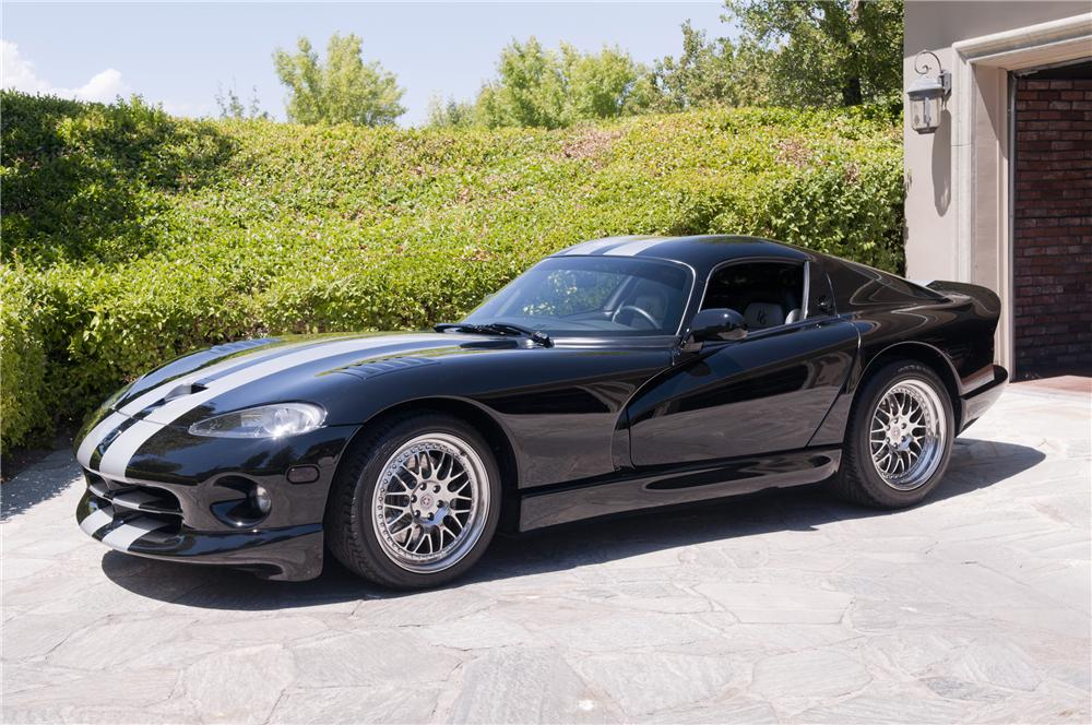 2000 DODGE VIPER GTS COUPE - Front 3/4 - 93301