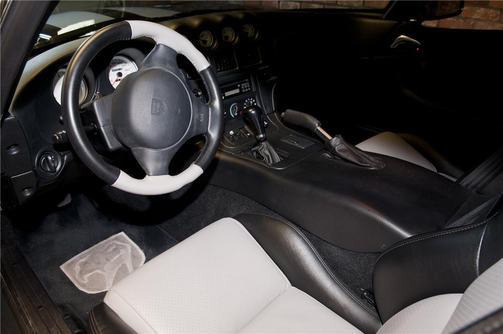 2000 DODGE VIPER GTS COUPE - Interior - 93301