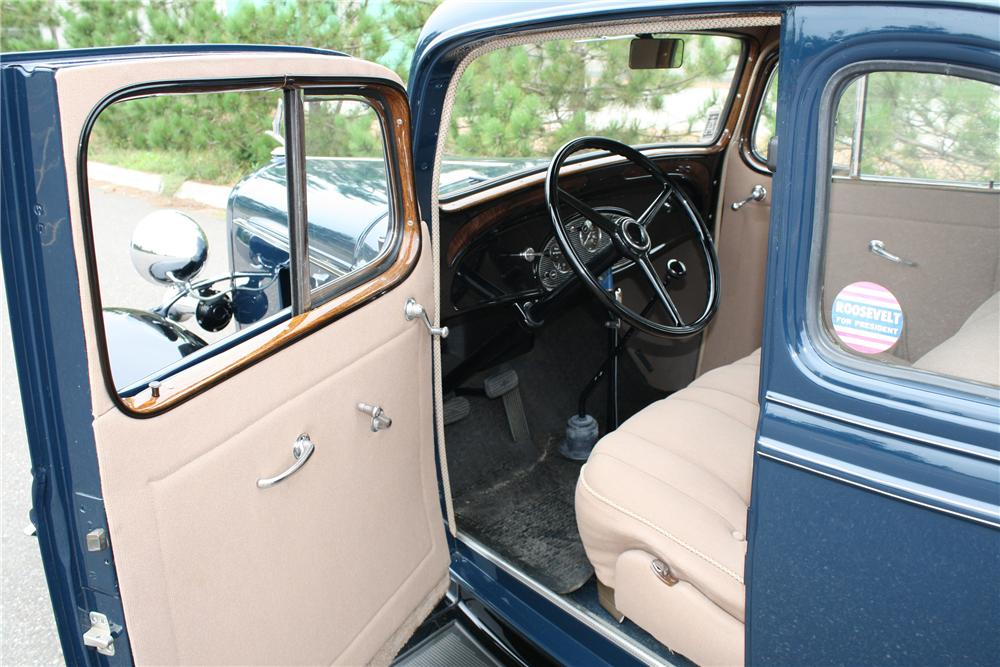 1933 CHEVROLET DELUXE 2 DOOR COUPE - Interior - 93302