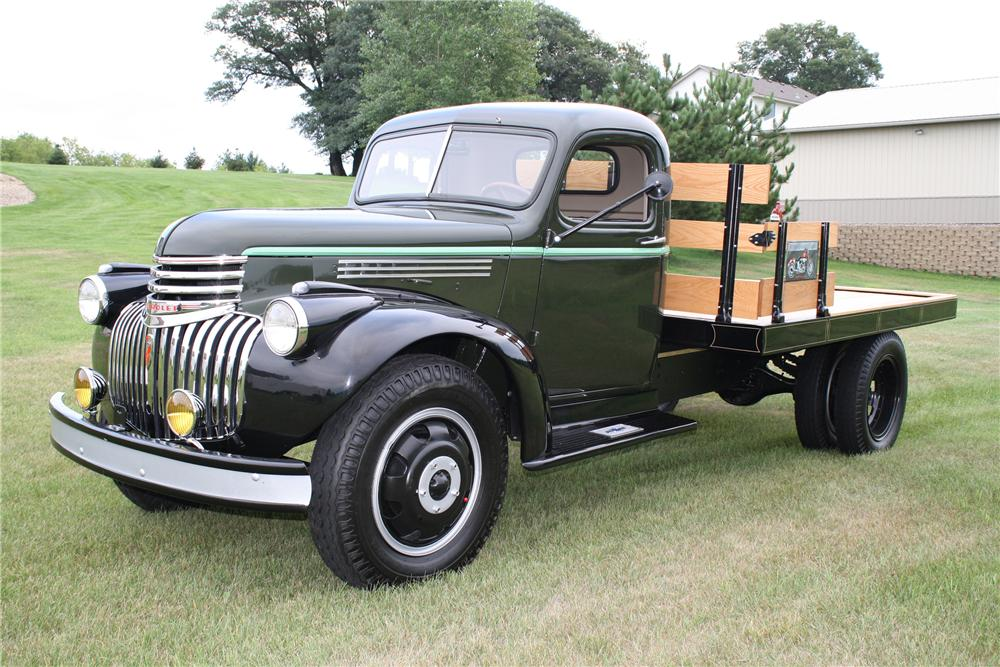 1946 CHEVROLET FLATBED TRUCK - Side Profile - 93304