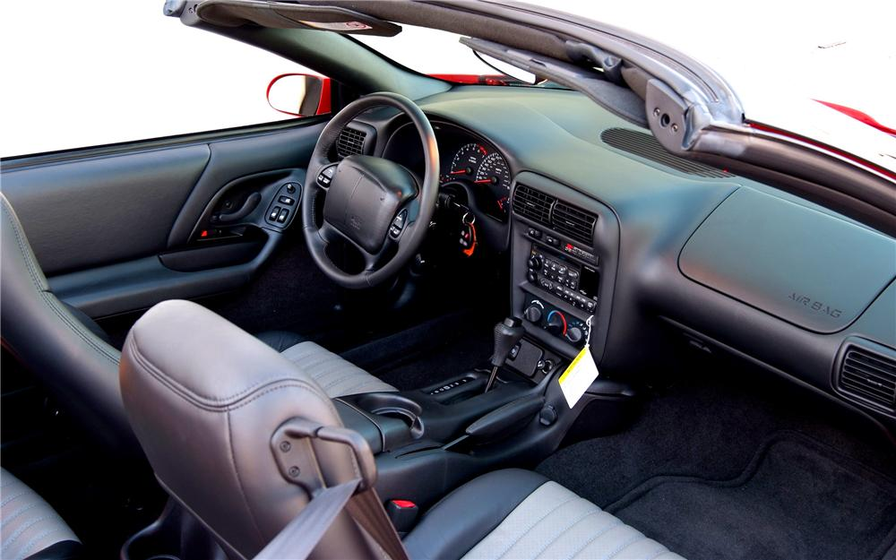 2002 CHEVROLET CAMARO SS CONVERTIBLE - Interior - 93325