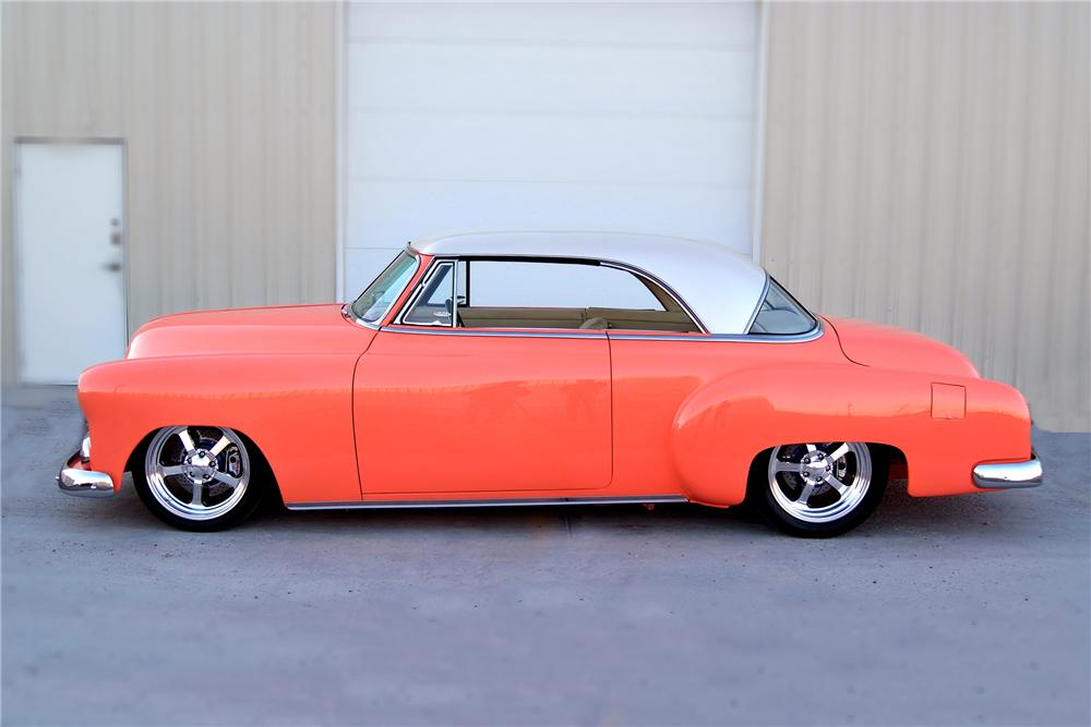 1951 CHEVROLET CUSTOM 2 DOOR HARDTOP - Side Profile - 93329