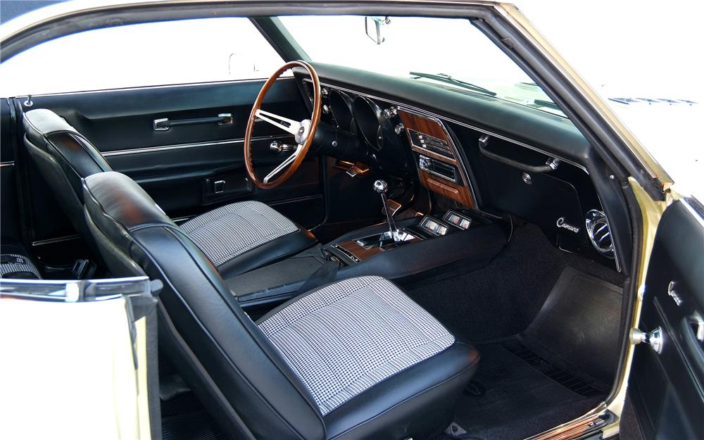 1968 CHEVROLET CAMARO CUSTOM COUPE - Interior - 93330