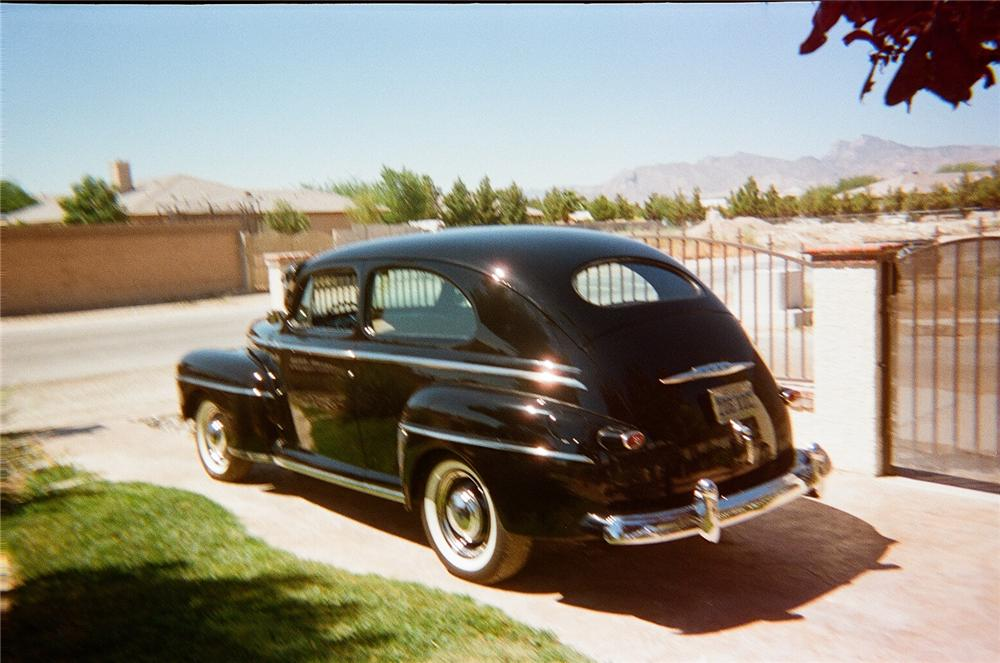 1948 FORD DELUXE 2 DOOR SEDAN - Rear 3/4 - 93333