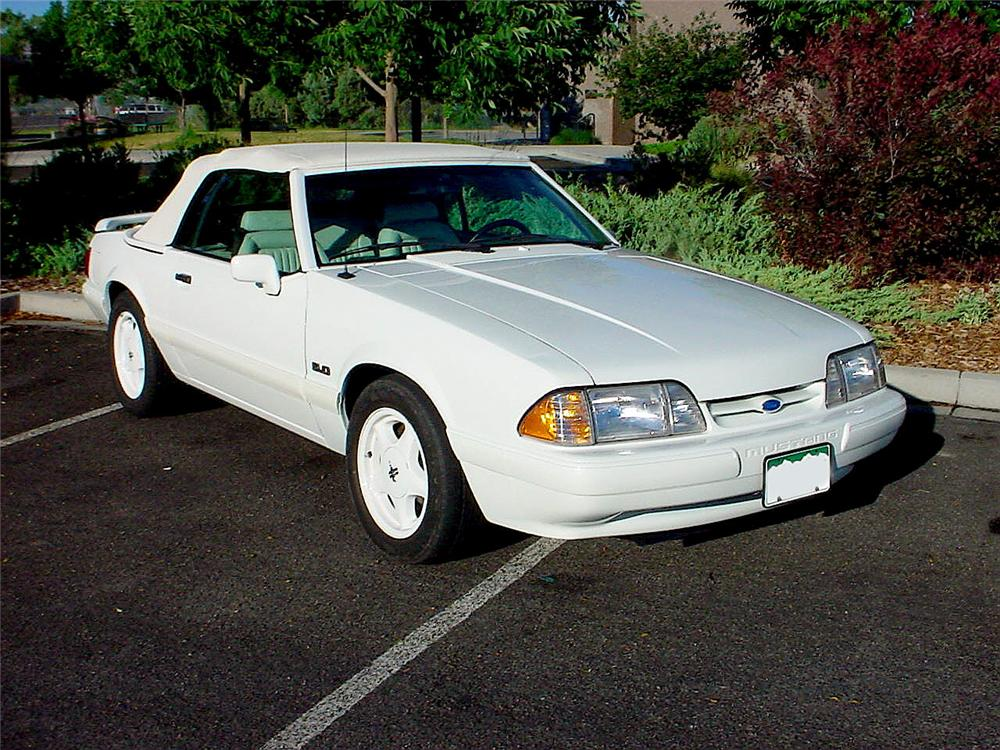 1993 FORD MUSTANG CONVERTIBLE - Front 3/4 - 93343