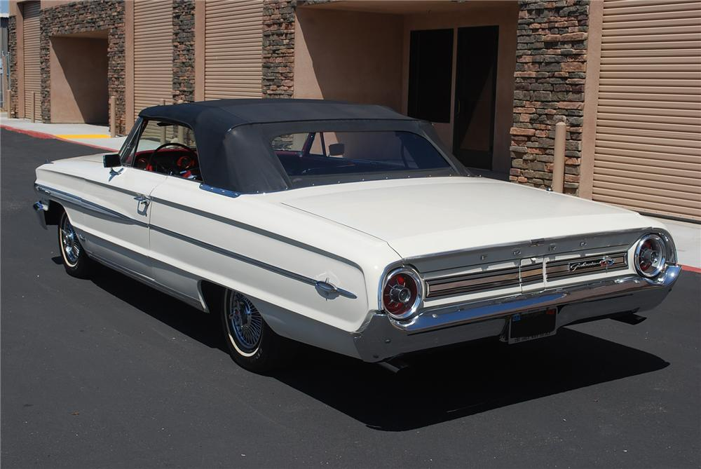 1964 FORD GALAXIE 500 XL CONVERTIBLE - Rear 3/4 - 93362