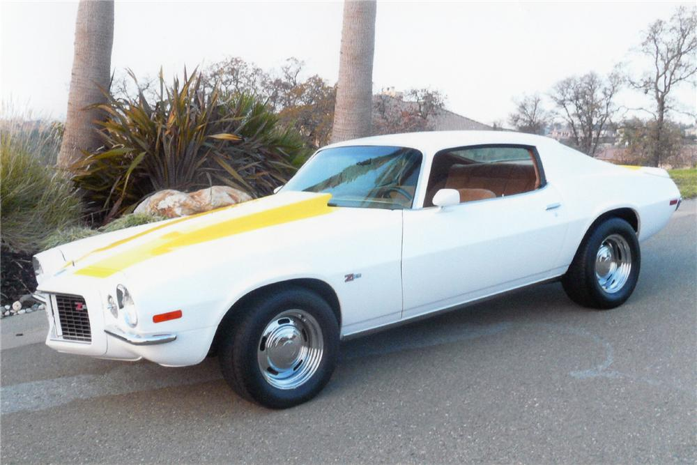 1970 CHEVROLET CAMARO Z/28 COUPE - Front 3/4 - 93364