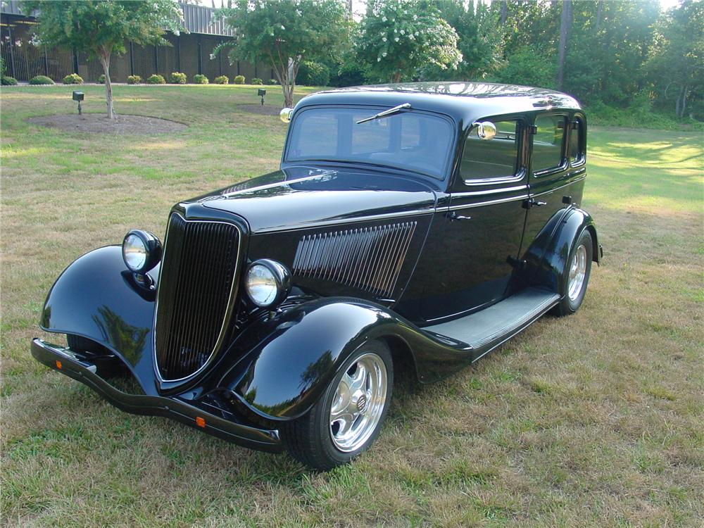 1934 ford custom 4 door sedan 93372. Black Bedroom Furniture Sets. Home Design Ideas