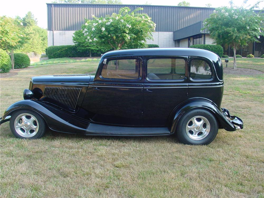 1934 ford custom 4 door sedan 93372
