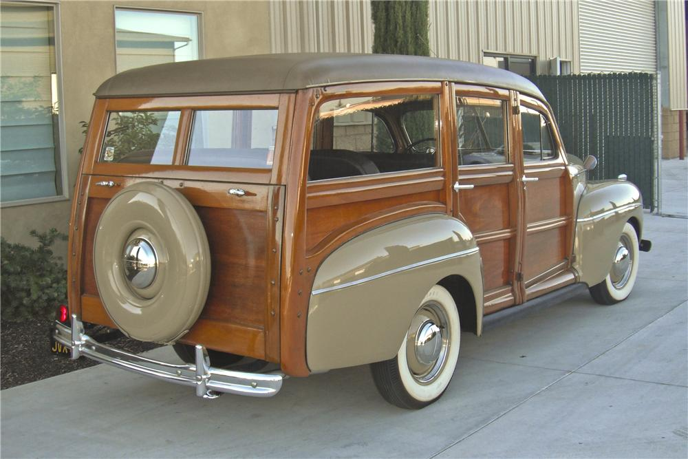 1941 FORD WOODY WAGON - Rear 3/4 - 93380