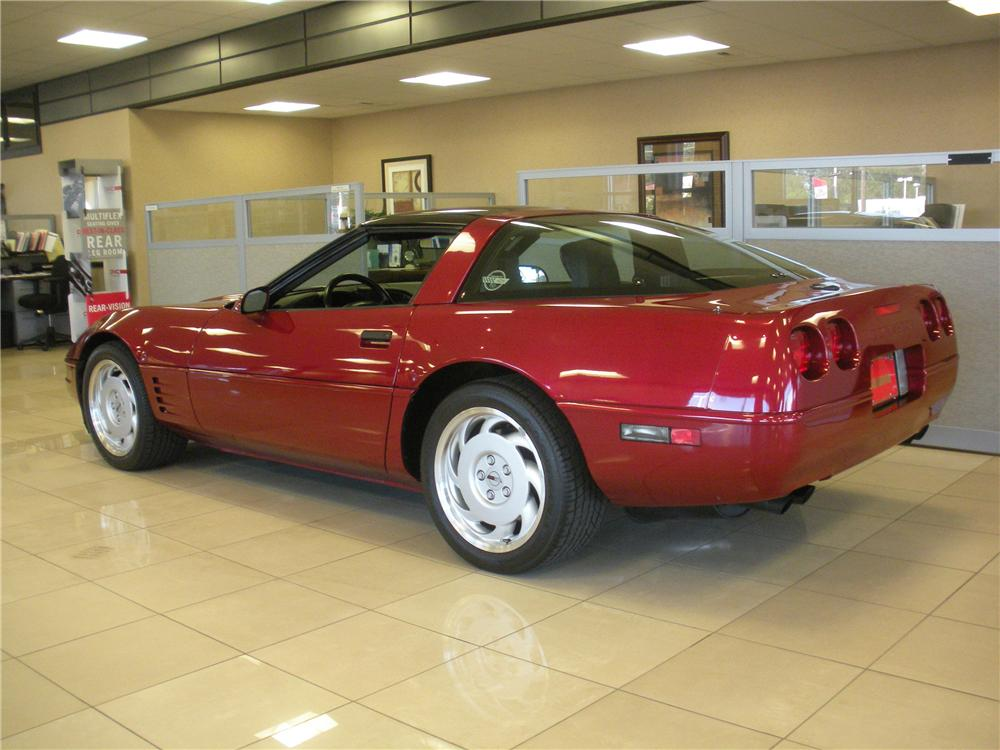 1991 CHEVROLET CORVETTE COUPE - Rear 3/4 - 93385
