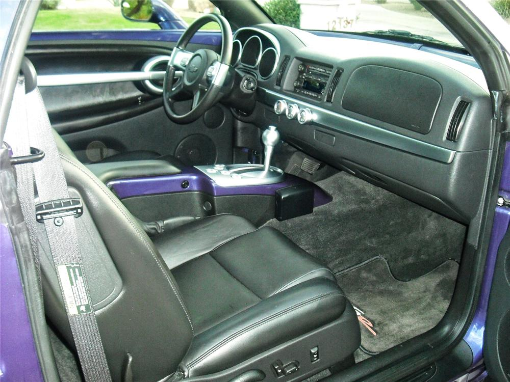 2004 CHEVROLET SSR PICKUP - Interior - 93386