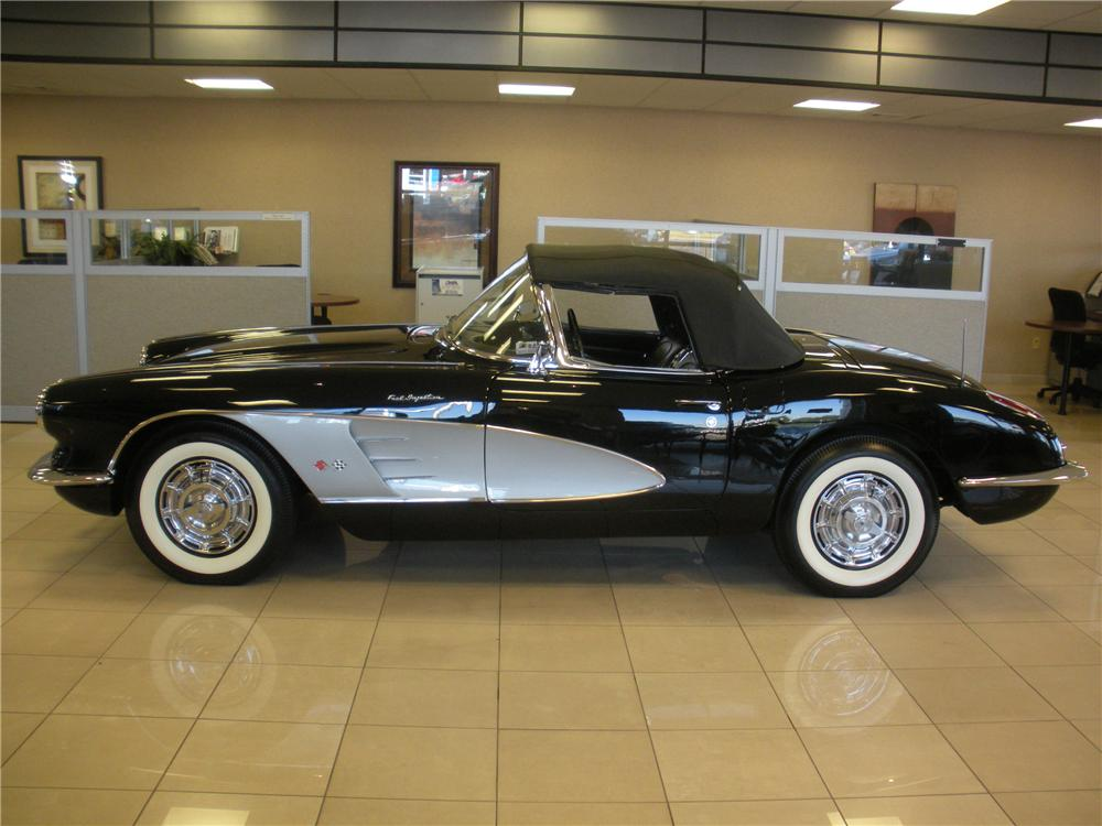 1960 CHEVROLET CORVETTE CONVERTIBLE - Side Profile - 93394