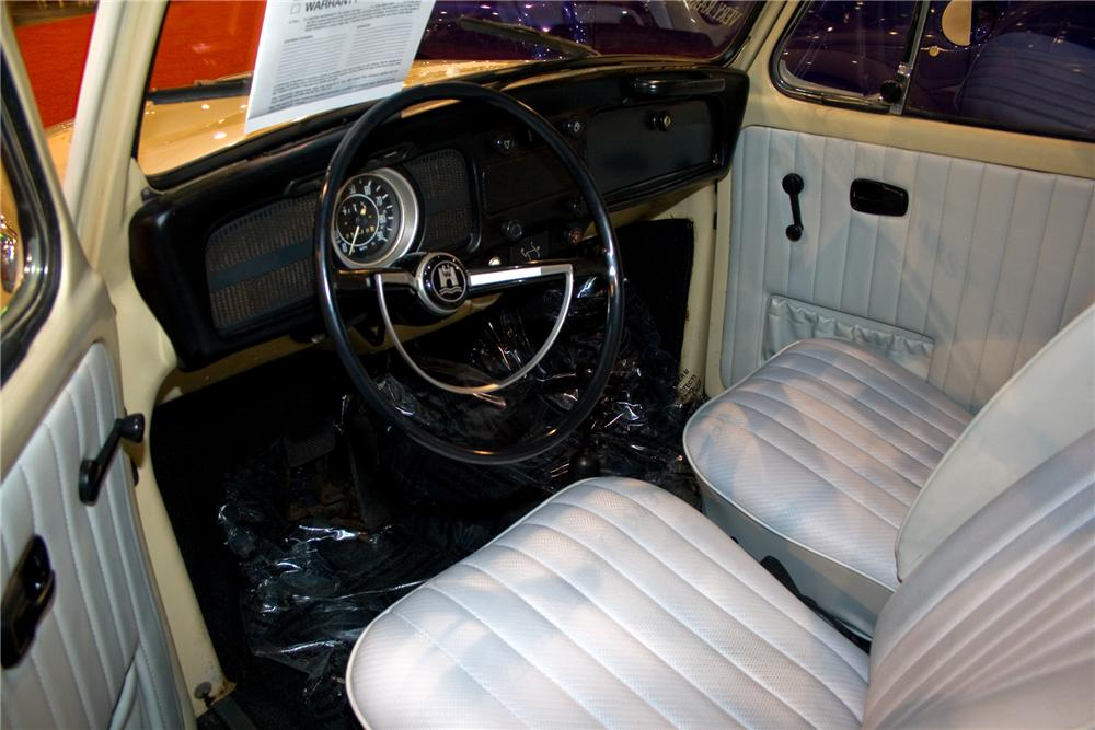 1971 VOLKSWAGEN SUPER BEETLE 2 DOOR - Interior - 93399