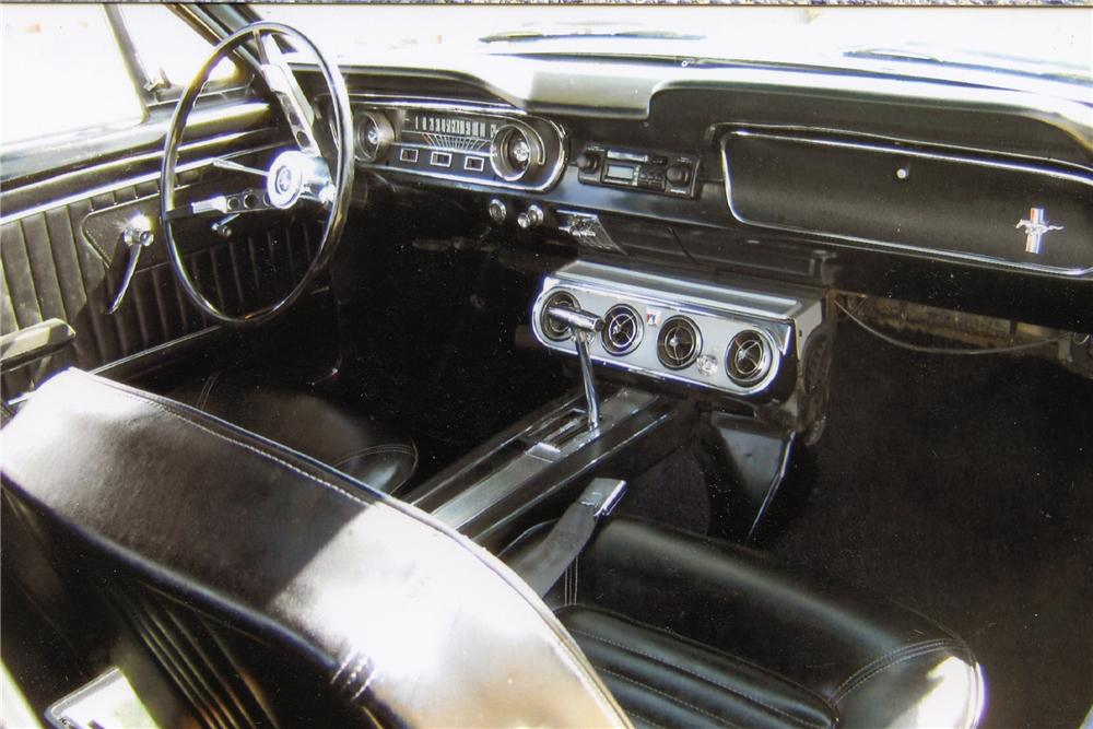 1965 FORD MUSTANG COUPE - Interior - 93400