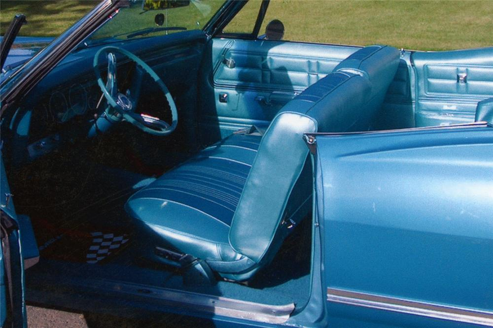 1967 CHEVROLET IMPALA CONVERTIBLE - Interior - 93444