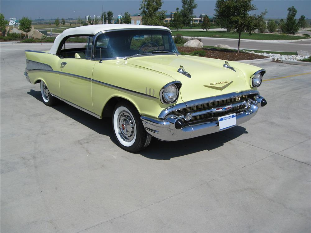 1957 CHEVROLET BEL AIR CUSTOM CONVERTIBLE - Front 3/4 - 93449