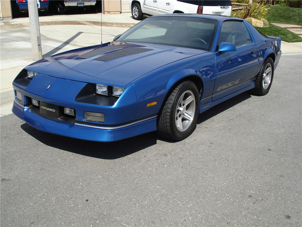 1989 CHEVROLET CAMARO IROC Z 2 DOOR COUPE - Front 3/4 - 93460