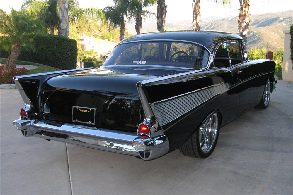 1957 CHEVROLET BEL AIR CUSTOM 2 DOOR HARDTOP - Rear 3/4 - 93481