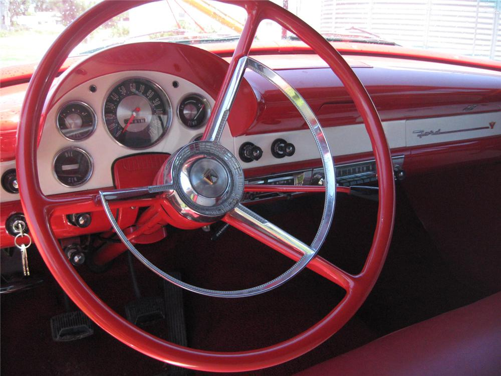 1956 FORD FAIRLANE SUNLINER CONVERTIBLE - Interior - 93482