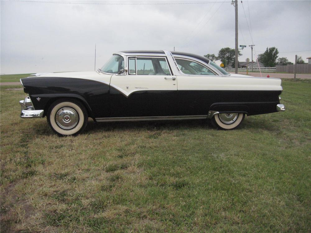 1955 FORD FAIRLANE CROWN VICTORIA 2 DOOR HARDTOP - Side Profile - 93486