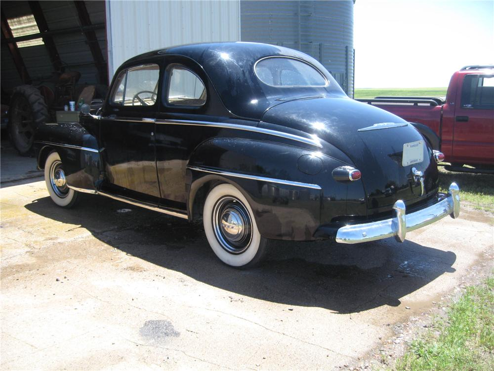 1946 FORD SUPER DELUXE 2 DOOR COUPE - Rear 3/4 - 93488