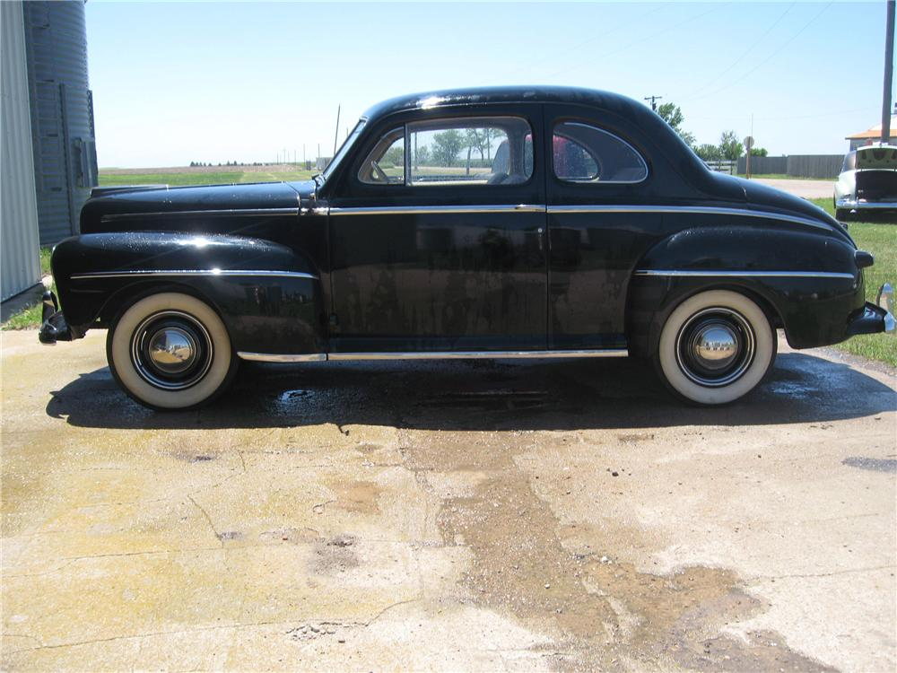 1946 FORD SUPER DELUXE 2 DOOR COUPE - Side Profile - 93488