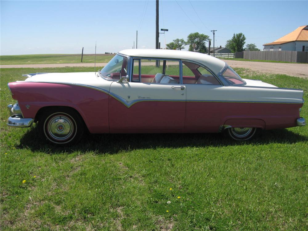 1955 FORD FAIRLANE VICTORIA 2 DOOR HARDTOP - Side Profile - 93489