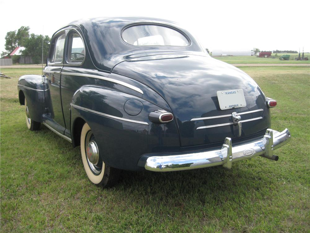 1947 FORD 2 DOOR COUPE - Rear 3/4 - 93492