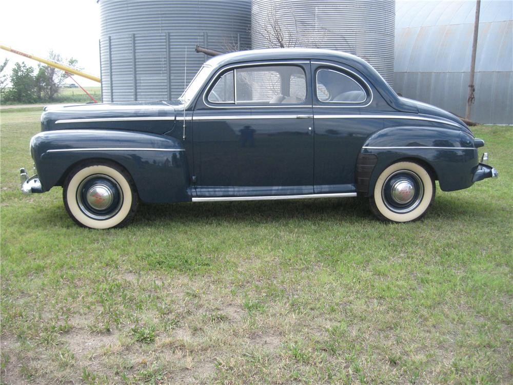 1947 FORD 2 DOOR COUPE - Side Profile - 93492