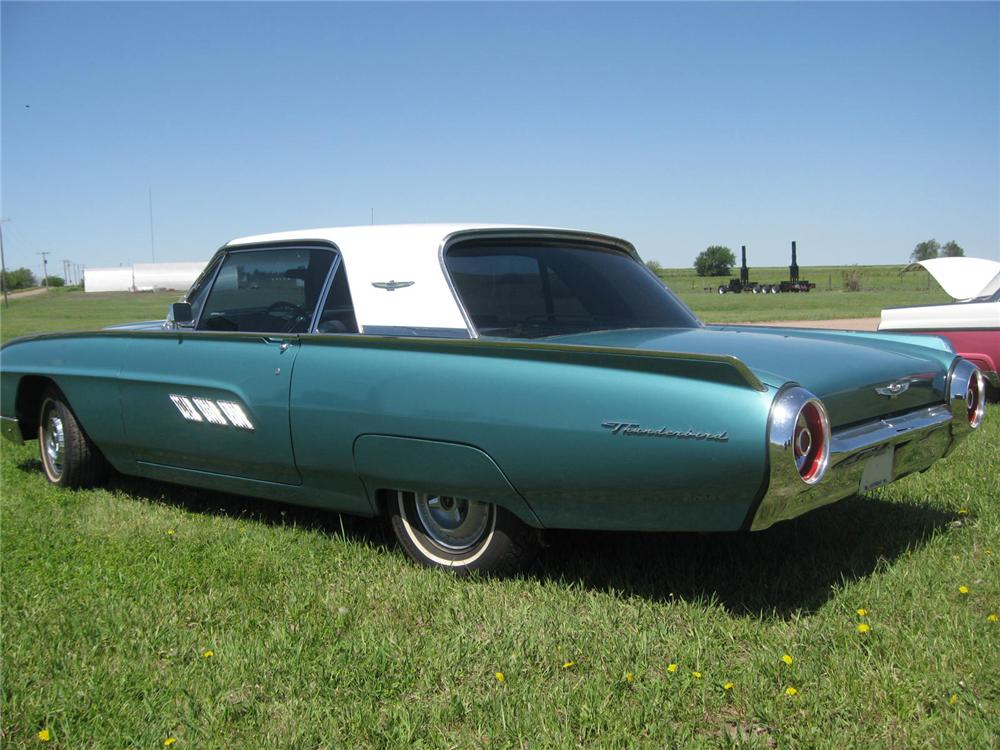 1963 FORD THUNDERBIRD 2 DOOR HARDTOP - Rear 3/4 - 93502