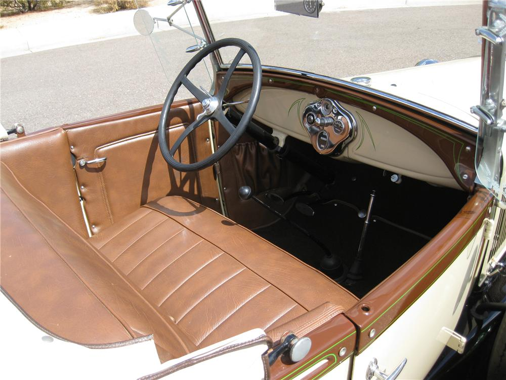 1929 FORD MODEL A ROADSTER - Interior - 93505