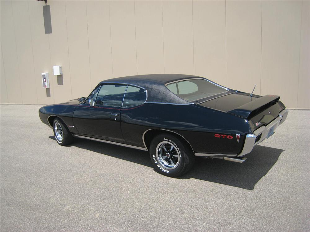 1968 PONTIAC GTO 2 DOOR COUPE - Rear 3/4 - 93511