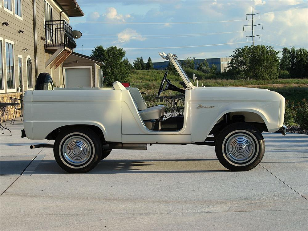 1966 FORD BRONCO ROADSTER - Side Profile - 93517