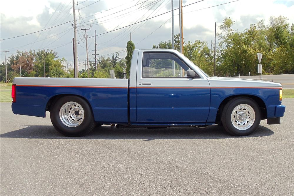 1989 CHEVROLET S-10 CUSTOM PICKUP - Side Profile - 93520