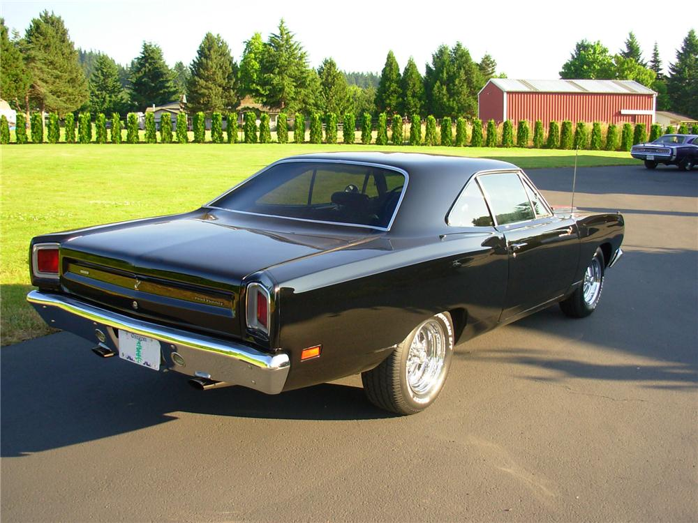 1969 PLYMOUTH ROAD RUNNER CUSTOM 2 DOOR HARDTOP - Rear 3/4 - 93528