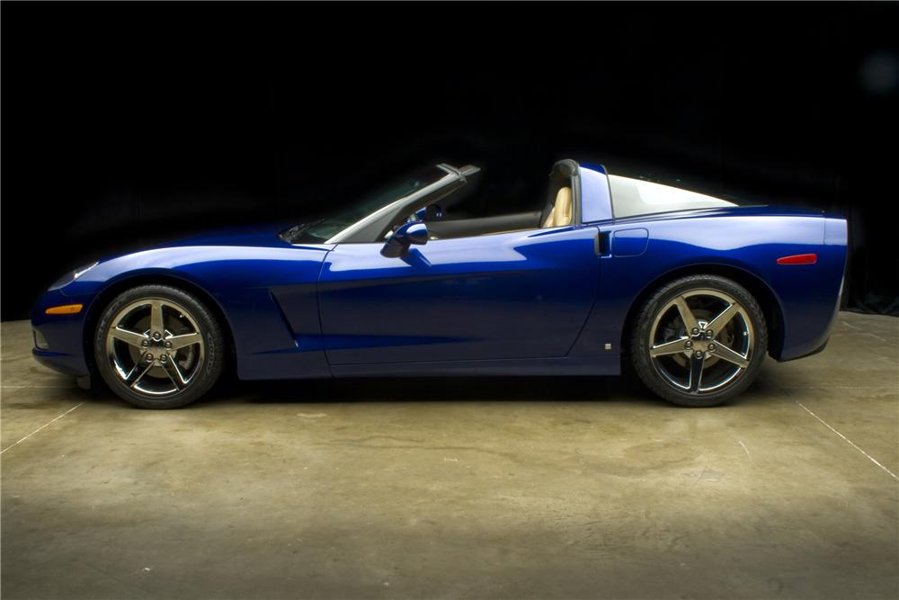 2007 CHEVROLET CORVETTE COUPE - Side Profile - 93540