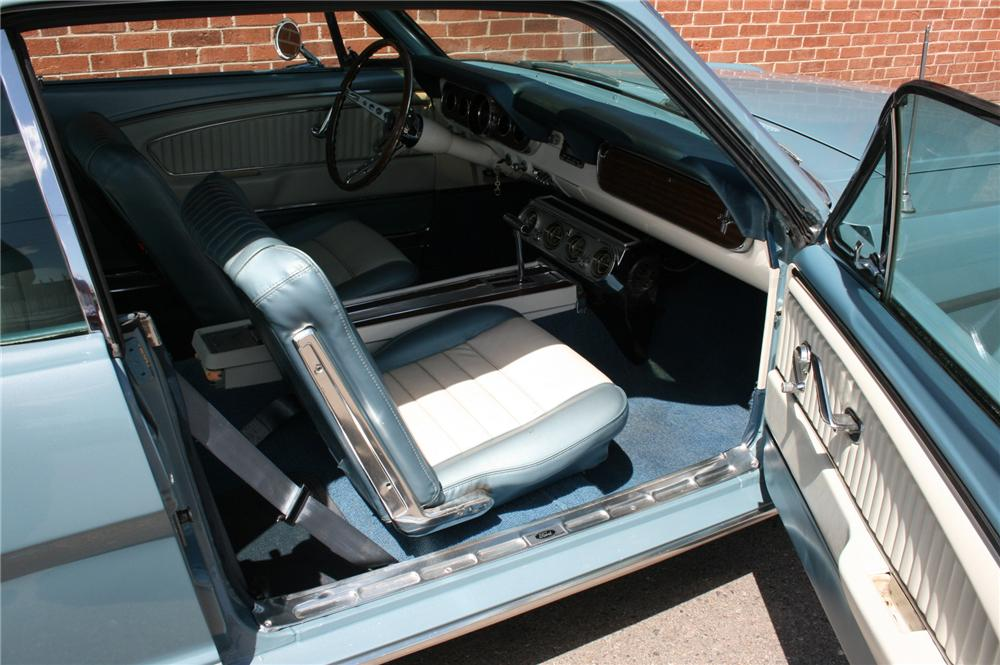 1965 FORD MUSTANG COUPE - Interior - 93541