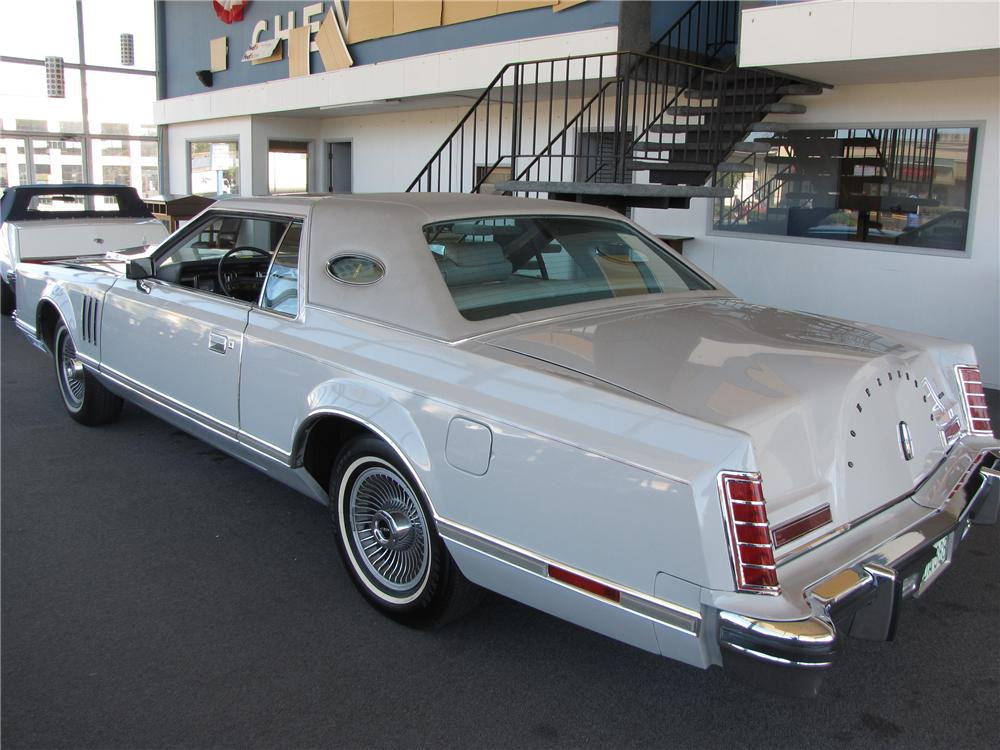 1977 LINCOLN CONTINENTAL MARK V 2 DOOR HARDTOP CARTIER EDITION - Rear 3/4 - 93544