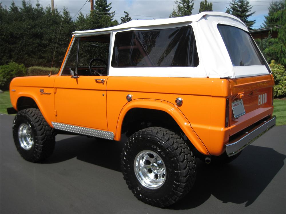 1969 FORD BRONCO CUSTOM 4X4 - Rear 3/4 - 93585