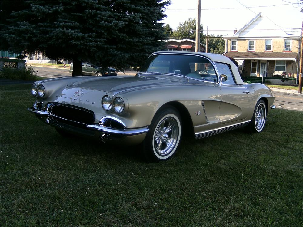 1962 CHEVROLET CORVETTE CONVERTIBLE - Front 3/4 - 93594