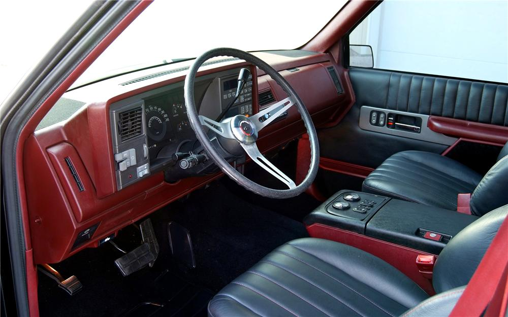 1990 CHEVROLET 1500 PRO-TOURING PICKUP - Interior - 93597