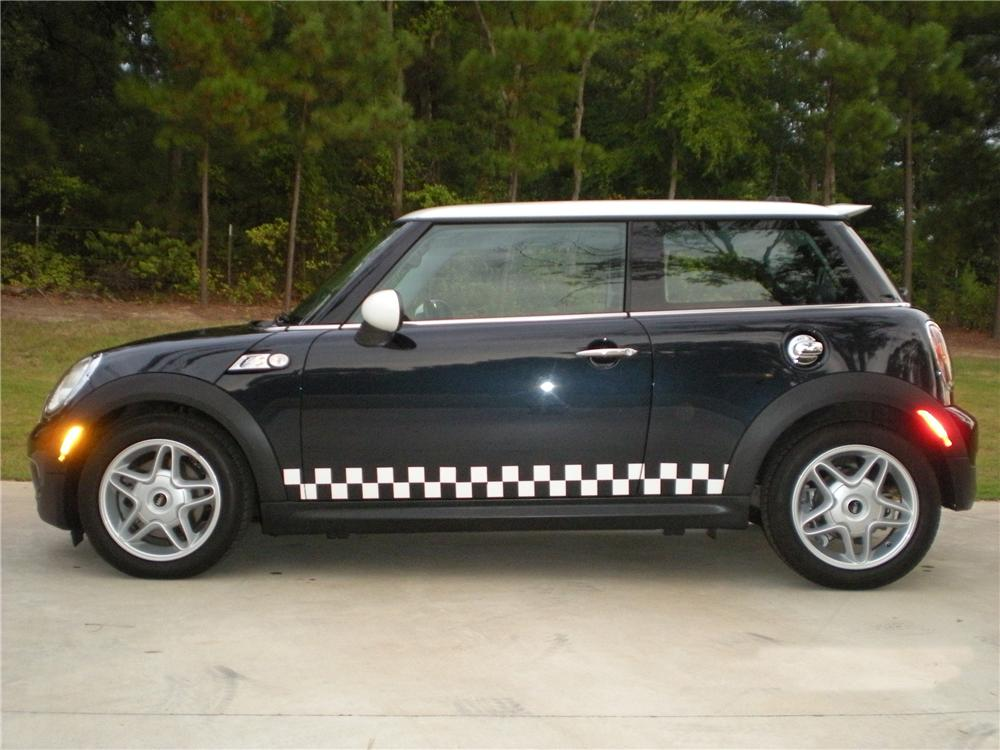 2007 MINI COOPER S 2 DOOR HATCHBACK - Side Profile - 93603